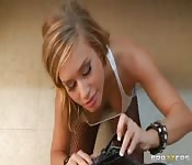 Kennedy Leight soborna al policía secreta