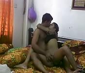 India hermosa follada por el coño con los dedos