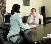 Russische hoer anaal genomen op kantoor