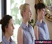 Queste piccole lesbiche australiane....
