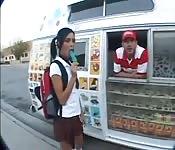 Polo helado para la colegiala