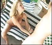 Masturbação juntos na piscina