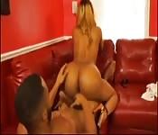 El espectáculo del sofá rojo