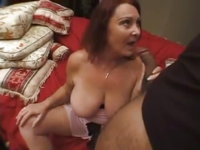 A women getting her pussy eat