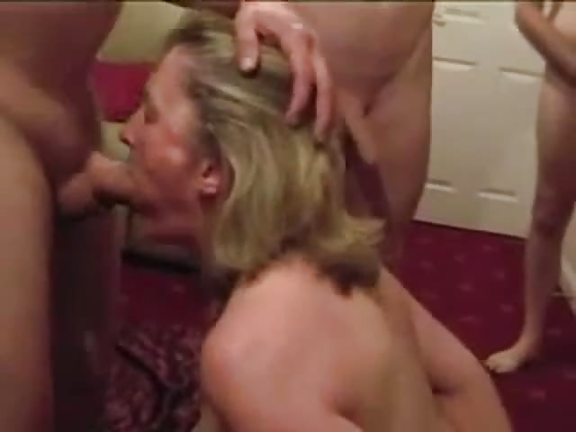 Wives sucking cock videos