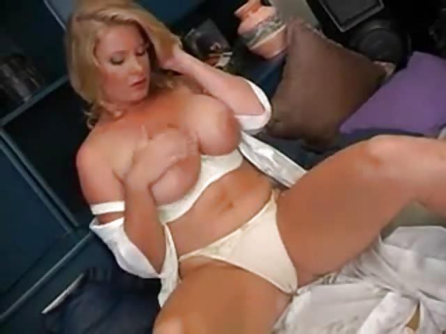 Blonde Milf With Big Milkers Masturbating - Pornjamcom-1390