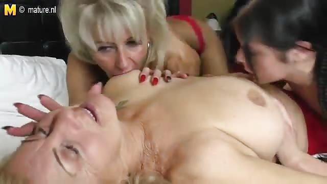 Girl naked sweater porn
