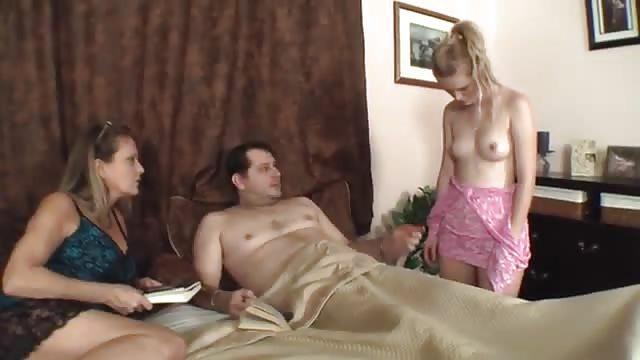 Zu Ehemann fickt Ehefrau sieht Ehemann fickt