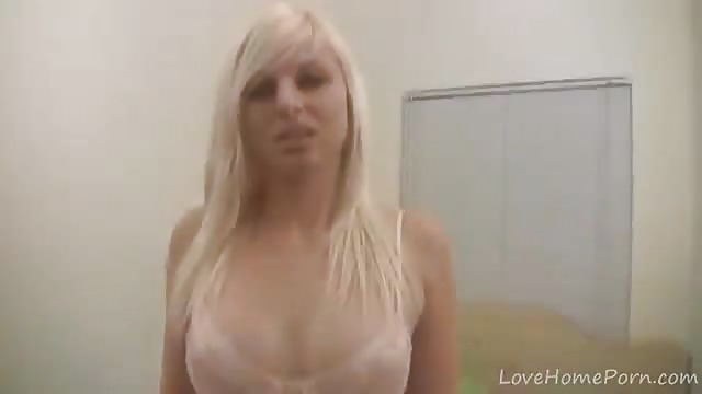 Blonde gezicht geneukt