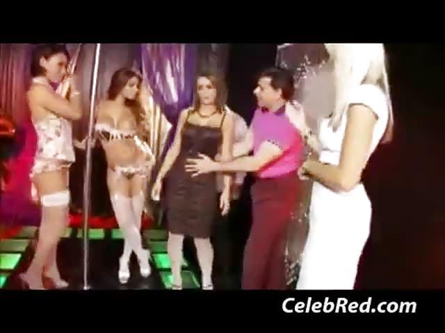 Gemma Massey en haar vriendinnen neuken in een orgie