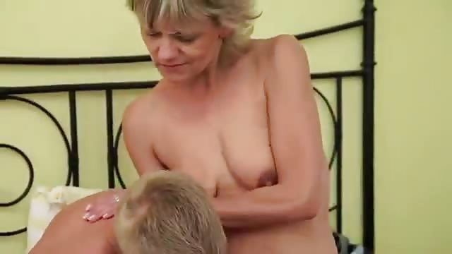 Junge verführt Reife Frau ❤️ Reife