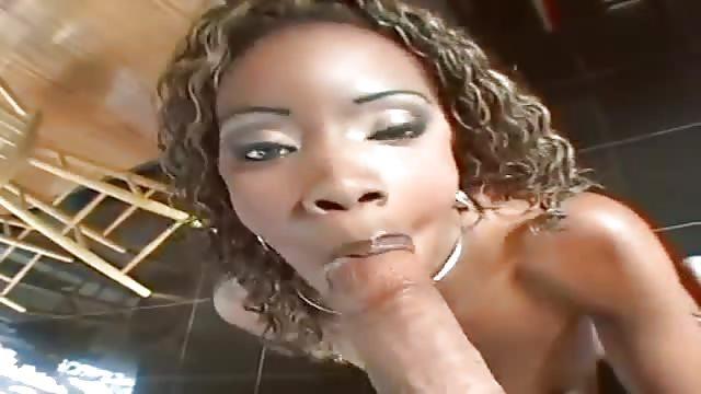 Gorące porno Tori czarny