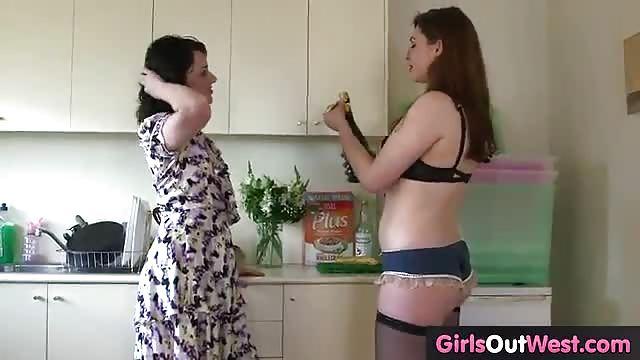 Eroticia lesbiam pornos masturbatian