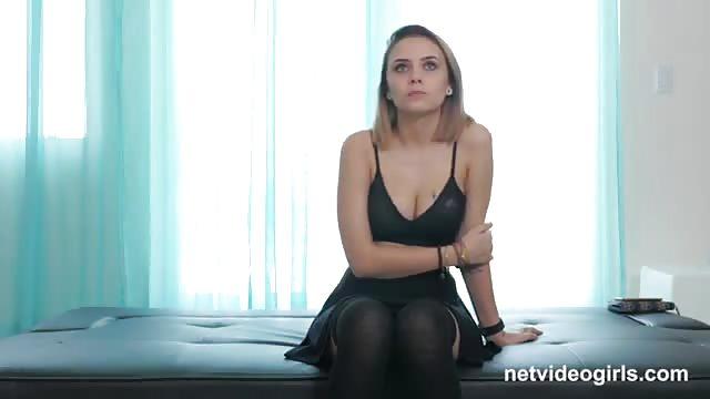 Nieśmiała nastolatka lesbijskie porno