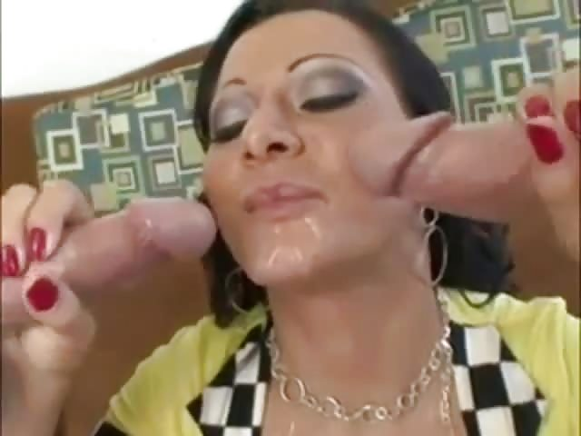 Download free horny cougar babe deauxma fucks room service