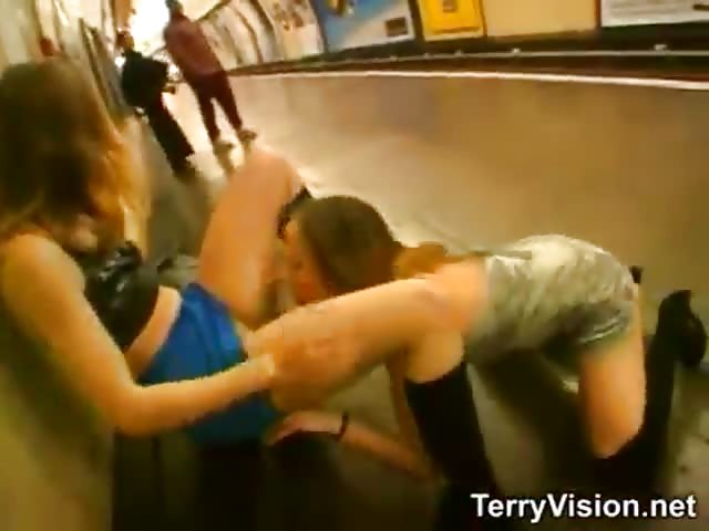 lesbian game in the subway pornjam com