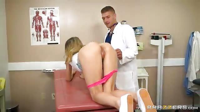 vom frauenarzt gefickt