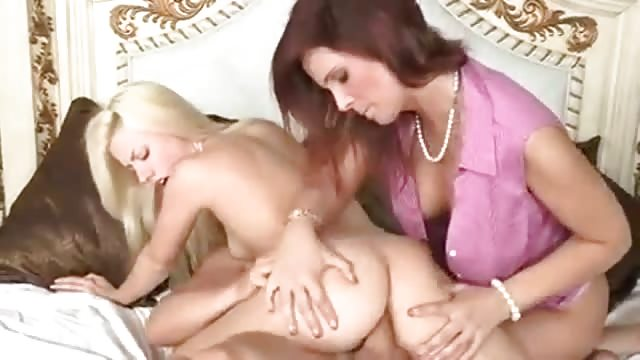 Mom shows how to have sex