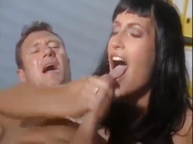 recopilacion corridas fumando porno