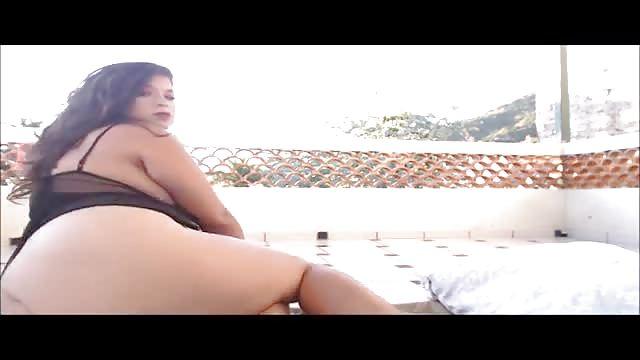 Bbw girl get help whit masturbation
