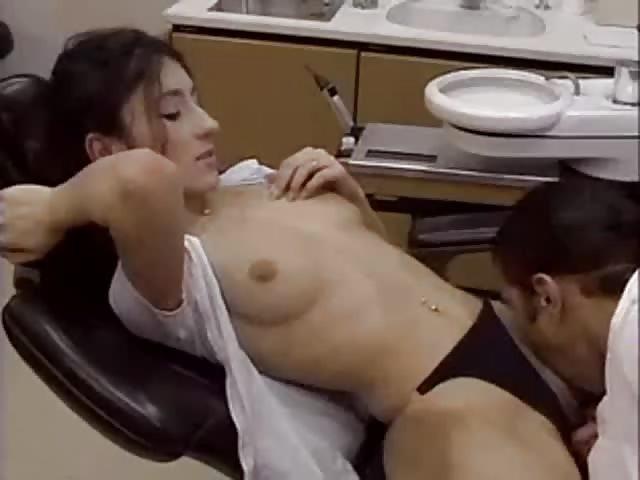 lekarz lesbijek uprawiający seks z pacjentem