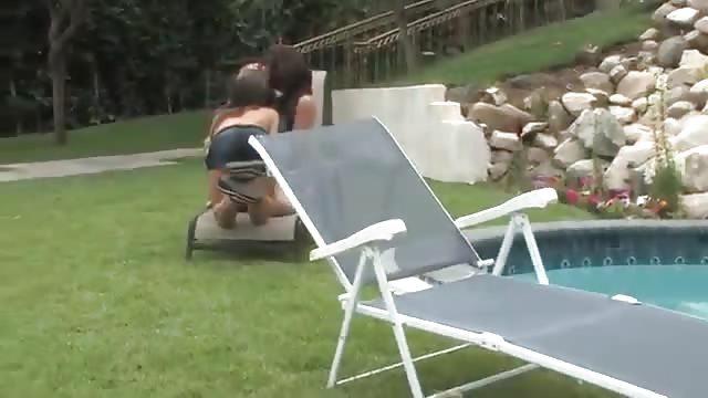 Orgie in het zwembad