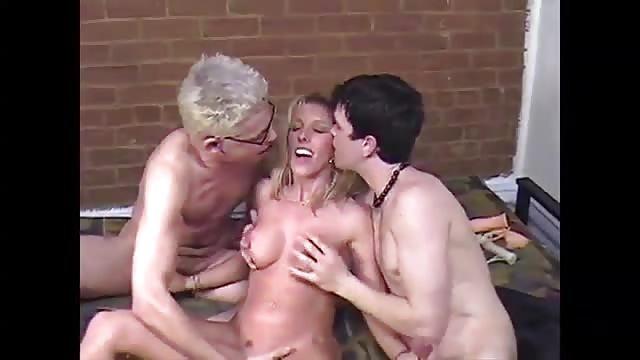 Młode azjatyckie młodzi porno