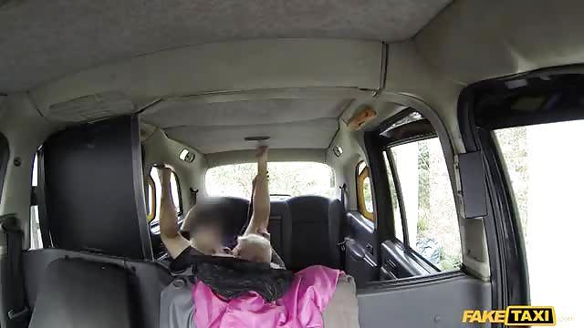quartier des putes elle branle en voiture