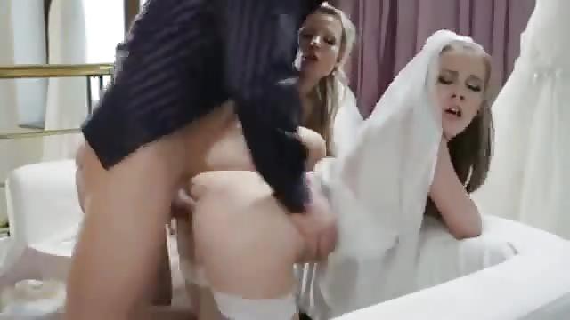 Julia Ann anal porno